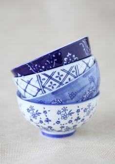 Lush Blue Ceramic Bowl (ruche)