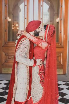 Indian Wedding Couple, Wedding Couple Photos, Sikh Wedding, Indian Wedding Outfits, Pre Wedding Photoshoot, Wedding Poses, Wedding Couples, Bridal Pictures, Farm Wedding