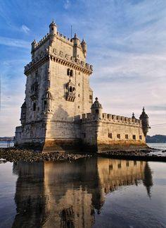 TORRE DE BELÉM (1520), Belém, Lisbon, Portugal - UNESCO World Heritage Site. http://en.wikipedia.org/wiki/Bel%C3%A9m_Tower   Photo: © 2011 Santiago Muñoz @ 500px. http://500px.com/photo/4700056