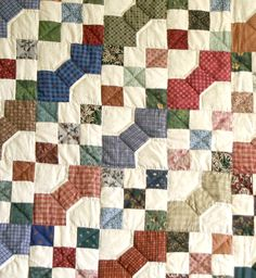 Amish Bow Tie Quilt