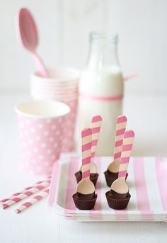 Unique and Creative Wedding Favor Ideas |  Peanut Butter Cup spoons! How cool is that?