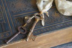 Skeleton Keys Textile Salvaged Necklace Vintage by Mymindsattic, $49.00