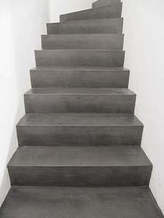 Interieur idee: kies voor een betonnen trap om jouw industriële interieur af te maken.