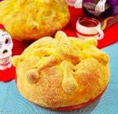 Pan de muerto relleno de cajeta