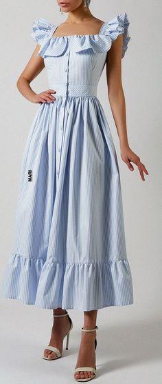 Elegant Dresses, Cute Dresses, Casual Dresses, Summer Dresses, Summer Fashion Outfits, Fashion Dresses, Fashion Terminology, Modelos Fashion, Fancy Tops