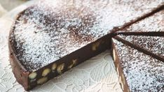 This traditional fruity and nutty dessert is a thicker and chewier version of a Florentine. The Tuscan treat goes wonderfully with a coffee at the end of a meal. Gino's Italian Escape, Italian Express, Lemon Tiramisu, Lemon Biscuits, Xmas Pudding, Elegant Desserts, Italian Desserts, Italian Recipes, Cake Recipes