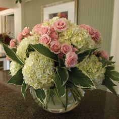 Pink rose and hydrangea arrangement Summer Flower Arrangements, Hydrangea Arrangements, Flower Centerpieces, Centrepieces, Centerpiece Ideas, Fake Flowers, Fresh Flowers, Pretty Flowers, Endless Summer Hydrangea