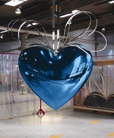 Jeff Koons. Blue/silver heart.1994-2006    https://www.facebook.com/Jvandervenne  http://nl.linkedin.com/in/jacquelinevandervenne  https://twitter.com/jvdvennedesign  http://pinterest.com/jvandervenne/  http://jacquelinevandervenne.wordpress.com/  www.jacquelinevandervenne.nl