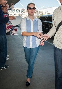 Reese Witherspoon at LAX September 27 2016
