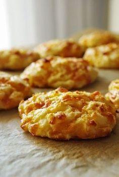 Ági főz: Sajtos-krumplis puffancs Croatian Recipes, Hungarian Recipes, Cake Recipes, Dessert Recipes, Good Food, Yummy Food, Leftovers Recipes, Food 52, Appetizer Recipes