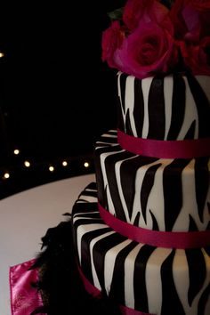 black, white and hot pink cake - I love, love, love this cake!!