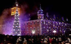 Alberi di Natale nel mondo!!! Anche nella freddissima Mosca ci si scalda con uno spettacolo incantevole! #babyjoggeritalia #natale #vacanze