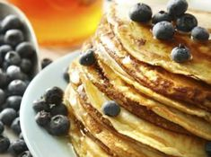 Gluten free blueberry pancakes with Namaste GF flour mix Gf Recipes, Gluten Free Recipes, Whole Food Recipes, Gluten Free Pancakes, Gluten Free Breakfasts, Homemade Breakfast, Healthy Breakfast Recipes, Healthy Food, Quinoa