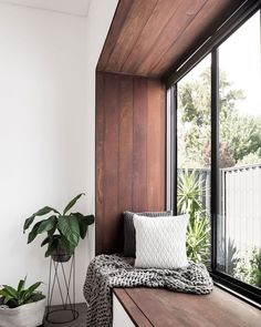 Awesome This modern bedroom has a wood framed window seat that overlooks the garden. The post This modern bedroom has a wood framed window seat that overlooks the garden…. Home Decor Bedroom, Home Interior Design, House Design, Living Room Interior, Interior Design, House Interior, Home, Bedroom Design, Home Decor