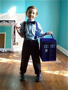 Tardis Halloween Treat Bucket Tutorial- if this kid showed up at my door he would get all of the candy lol
