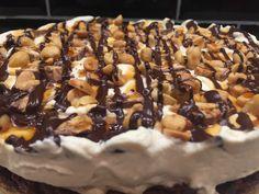 Snickerskake Cereal, Pie, Breakfast, Easy, Desserts, Food, Blogging, Torte, Morning Coffee