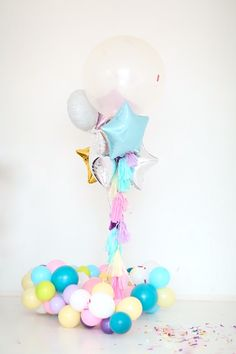 Oh the details are darling in this Kara's Party Ideas featured Sweet Pastel Unicorn Birthday Party! Birthday Party Centerpieces, Unicorn Birthday Parties, Birthday Balloons, Unicorn Party, First Birthday Parties, Birthday Party Themes, Unicorn Balloon, Balloon Arrangements, Balloon Centerpieces