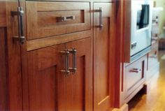 small kitchen ideas - Love the cabinets in this picture