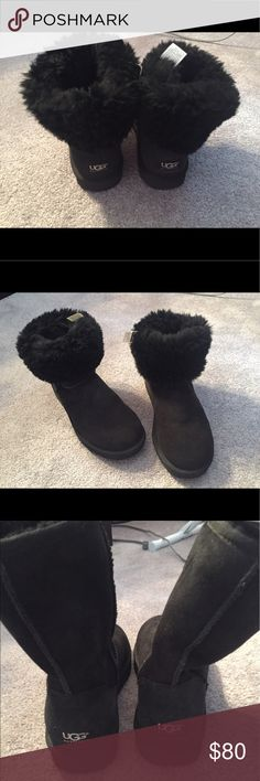 Classic short Ugg boot Classic Black ugg boots, only Worn a few times UGG Shoes Winter & Rain Boots