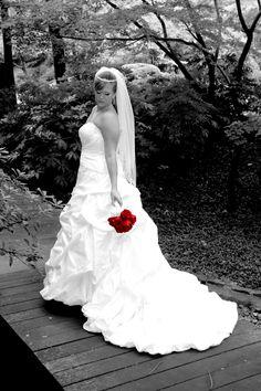 bridal shoot would lov3e a black n white like this!!!