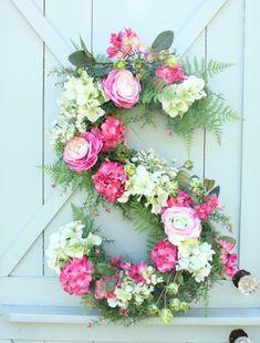 Love this! Monogram floral spring wreath