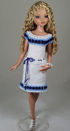 Doll Fancy Dress, Crochet Doll Dress, Crochet Barbie Clothes, Crochet Doll Pattern, Barbie Dress, Doll Clothes, Doll Patterns Free, Cute Dolls, Dress Making