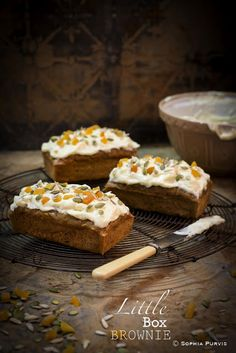 Little Box Brownie: Carrot Cake Best Banana Bread, Banana Bread Recipes, Easy Baking Recipes, Easy Cookie Recipes, Mini Cakes, Cupcake Cakes, Cupcakes, Food Cakes, Carrot Spice Cake