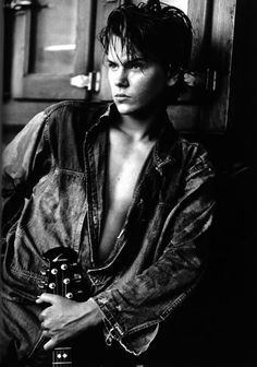 River Phoenix He looks like a young Johnny Depp