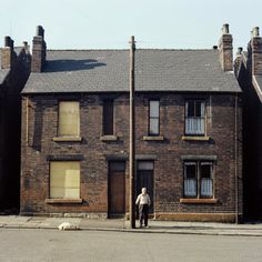 From Leeds to London: portraits of English cities in the 1970s – in pictures