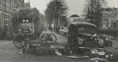 Haarlem - ongeval op de Leidsevaart, 1949 Holland, Antique Cars, Cities, Van, Paintings, Memories, Nostalgia, The Nederlands, Vintage Cars