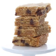 Keto Chocolate Chip Blondies with Browned Butter. Keto Chocolate Chip Blondies with Browned Butter. Chocolate Chip Cookies, Keto Chocolate Chips, Homemade Chocolate, Chocolate Cake, Keto Cookies, Cookies Et Biscuits, Gourmet Recipes, Low Carb Recipes, Dessert Recipes