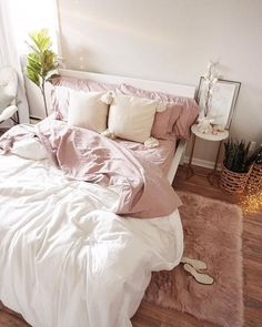 45 Cute And Girly Pink Bedroom Design For Your Home. Cute And Girly Pink Bedroom Design For Your Home Girls bedroom designs can really show off who your daughter is and who she wants to be. It a chance […] Minimal Bedroom, Stylish Bedroom, Modern Bedroom, Pink Bedroom Design, Bedroom Designs, Pastel Bedroom, Pink Gold Bedroom, White Bedroom, Pink Master Bedroom