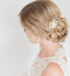 To see more gorgeous wedding hairstyles: http://www.modwedding.com/2014/11/20/amazing-wedding-hairstyles-chic-accessories/ #wedding #weddings #hair #hairstyle via somethingjeweled