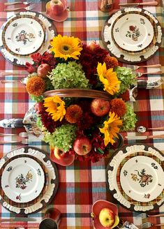 Falling for Apples Transitional Fall Table | ©homeiswheretheboatis.net #fall #tablescapes #apples #plaid #sunflowers Printed Napkins, Fall Table, Autumn Inspiration, Autumn Summer, Flower Vases, Fall Halloween, Tablescapes, Floral Arrangements, Sunflowers