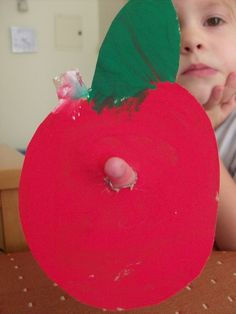 wiggle-worm-apple-preschool-craft