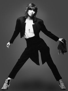 Chrissie Hynde (The Pretenders) sx 847 in the unisex look that the 478 Tritype favor.
