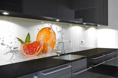 fotokunst op plexiglas - Google zoeken Moduler Kitchen, Glass Backsplash Kitchen, Kitchen Wall Tiles, Kitchen Room Design, Kitchen Family Rooms, Modern Kitchen Cabinets, Glass Kitchen, Modern Kitchen Design, Home Decor Kitchen