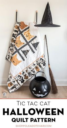 Halloween Tic Tac Cat Quilt Pattern from Polka Dot Chair Halloween Quilt Patterns, Cat Quilt Patterns, Halloween Sewing Projects, Fun Halloween Crafts, Halloween Quilts, Beginner Quilt Patterns, Halloween Fabric, Halloween Cat, Halloween Ideas
