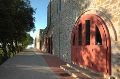 Our cellar is located on Le Ragnaie estate.