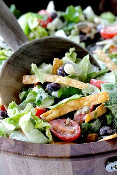Southwest Pepper Jack Salad with Creamy Avocado Salsa Dressing | http://www.carlsbadcravings.com/southwest-salad-creamy-avocado-salsa-dressing/