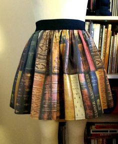 Bookcase Full Skirt - real life Miss Frizzle Miss Frizzle, Nanu Nana, Dress Skirt, Dress Up, Moda Chic, Geek Chic, Looks Cool, My Wardrobe, Petticoats