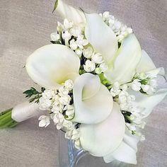 15.8.15 morsiuskimppu - valkoiset kallat ja #morsiustähdet  #wedding #boutique - #white #callalily and #bouvardiaflowerså  #kukat#häät #morsiuskimppu #hääkimppu #viehe #kalla #calla #bridalbouquet #blommor #flowers #flowerofinstagram #flowerlovers #ig_flowers #kotka #finland