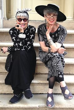 Idiosyncratic Fashionistas: Why Are These Two Old Ladies Smiling?