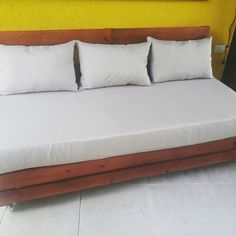 DIY pallet sofa easily built and handy pallet project: Pallet Couch Cushions, Diy Pallet Sofa, Pallet Storage, Pallet Benches, Storage Boxes, Wooden Crates Sofa, Reclaimed Wood Furniture, Buy Pallets, Wood Pallets