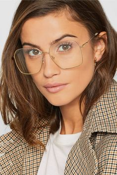 Glasses trend: the best trendy women eyeglasses 2019 Chloe Glasses, Nice Glasses, Glasses Frames, Glasses Outfit, Fashion Eye Glasses, Wearing Glasses, Best Eyeglasses, Eyeglasses For Women, Glasses For Round Faces