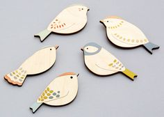 Wooden Bird Brooch - Goldcrest - Gift for Bird Lover Clay Crafts, Wood Crafts, Arts And Crafts, Diy And Crafts, Diy Wood, Ceramic Birds, Ceramic Clay, Bird Jewelry, Wooden Jewelry