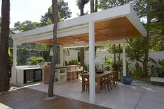 Morumbi Residence by Drucker Arquitectura in São Paulo, Brazil.  # Poolside bar/dining area (how can you not fall in love?!)