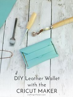 Leather Wallet Free Cricut Maker Project - Crafting in the Rain Tutorial for how to make the free leather wallet Cricut Maker project in Cricut Design Space. The machine cuts the leather! Disney Diy, Diy Wallet Decoration, Diy Leather Projects, Leather Crafts, Cricut Tutorials, Maker, Things To Sell, Cricut Design, Space