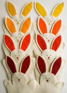 Easter Project: Molly's Sketchbook: Felt Bunny Hand Puppets  Easter Crafts #Easter #craft