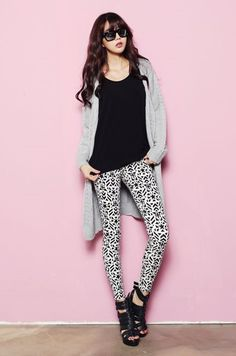 Cute Pant Outfits For Girls to Try (23)